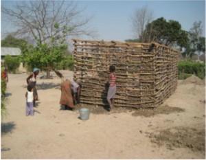 lemen hut in aanbouw